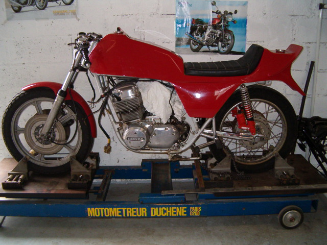 Yamaha Xs 1100 Racer -> Ca roule toujours - Page 4 Secdem10