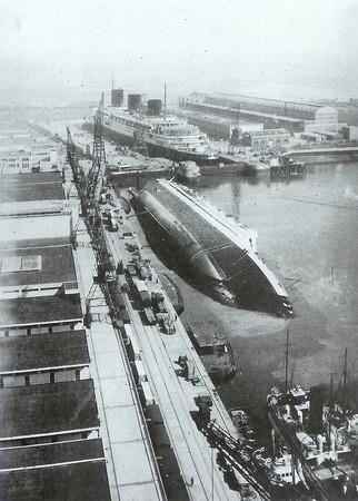 """la fin du paquebot """"Paris"""" 1939 Paris_18"""