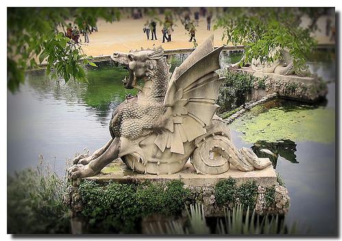 Dragon légende monumentale Barcel10