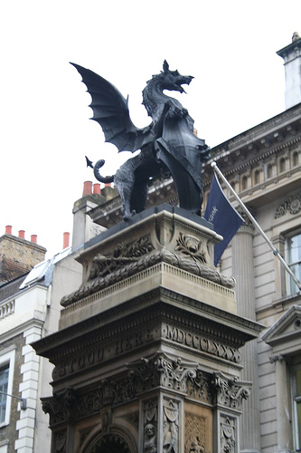 Dragon légende monumentale Londre10
