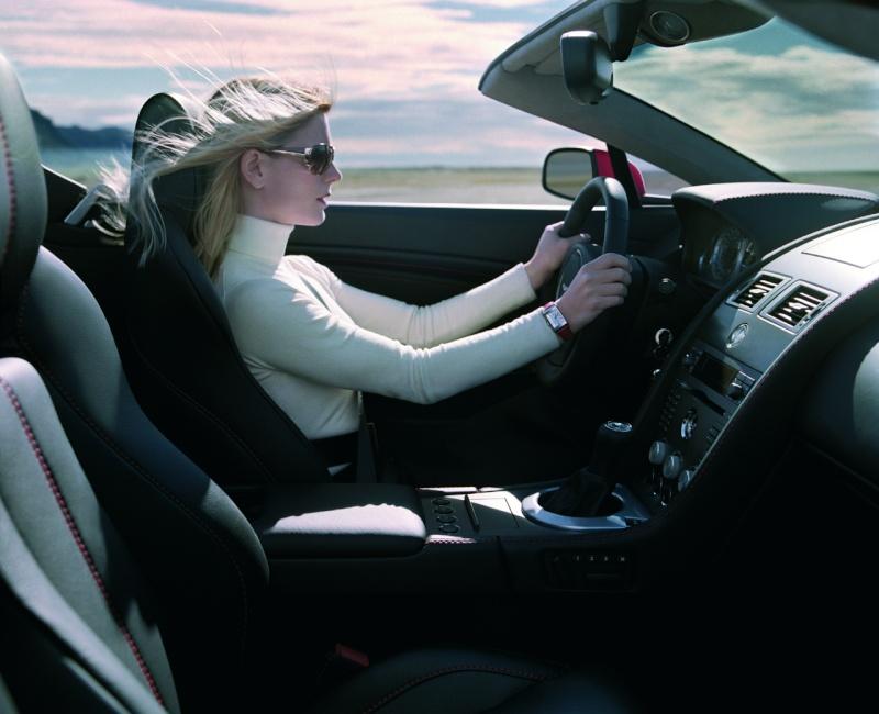 Ahhh Aston Martin...Le post officiel des Astons Amv8_r10