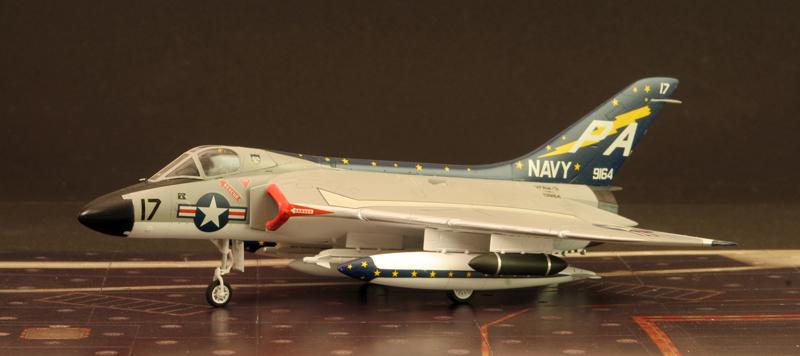 "Douglas F4D-1 ""Skyray"" [1/72 - Tamiya] Dougla11"