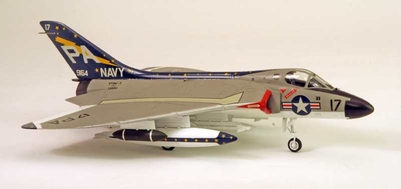 "Douglas F4D-1 ""Skyray"" [1/72 - Tamiya] Dougla16"