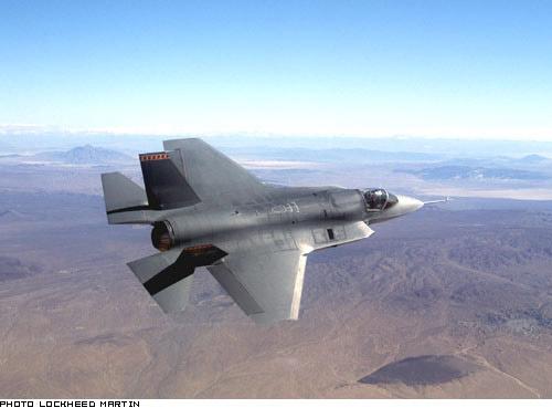 Boeing X-32A & Lockheed Martin X-35B [1:72 - Revell] Locf3510