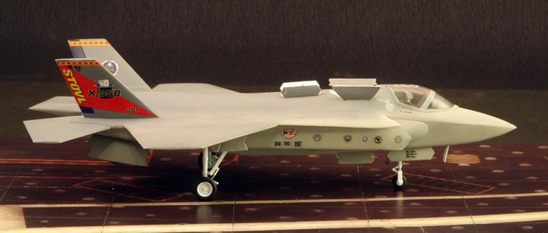 Boeing X-32A & Lockheed Martin X-35B [1:72 - Revell] X35b_011