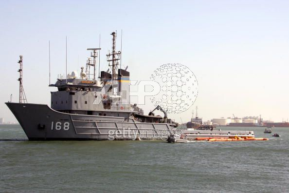 Naval news in the world - Page 3 0113