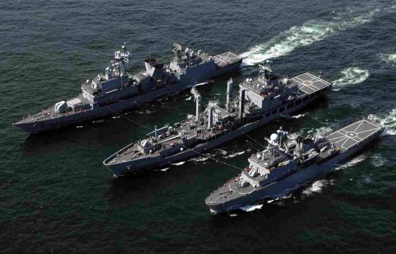 Republic of Korea Navy - Marine de la Corée du Sud - Page 2 11330414