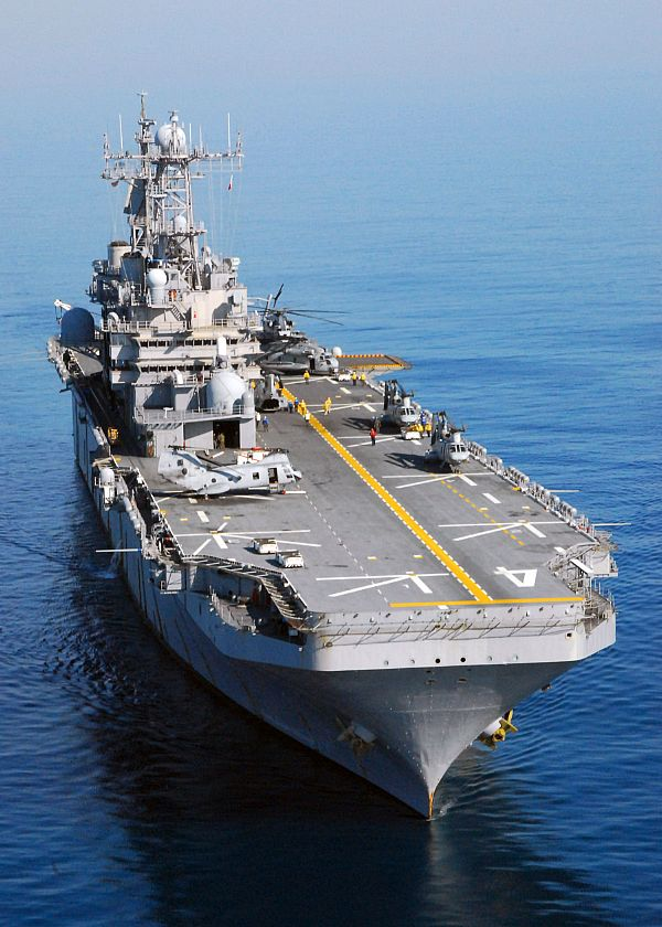 Amphibious assault ship (LHA - LHD - LPD) Web_0712