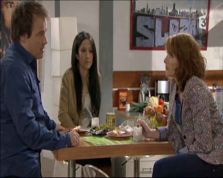 Episode du Lundi 02 Mai 2011 20111254