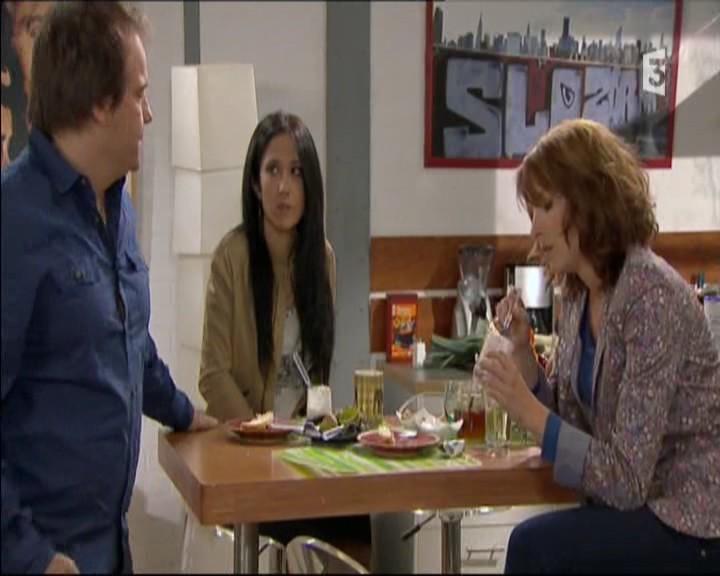Episode du Lundi 02 Mai 2011 20111269