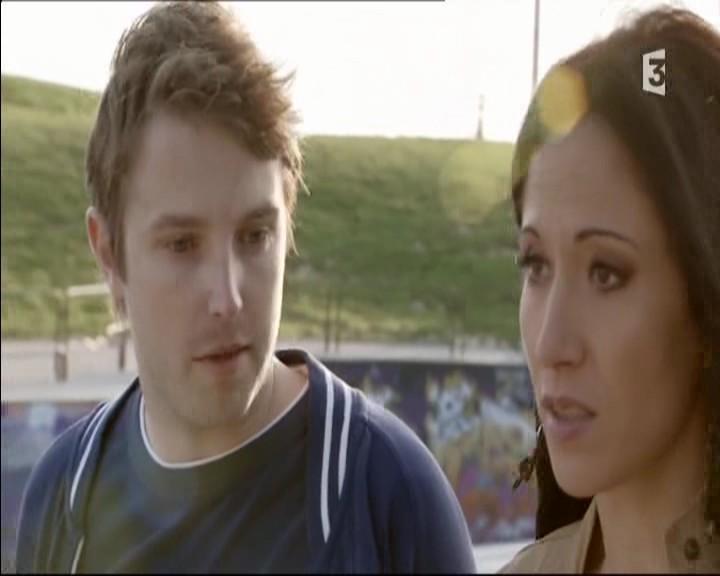 Episode du Lundi 02 Mai 2011 - Page 2 20111361