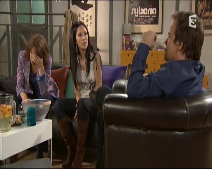 Episode du Lundi 02 Mai 2011 - Page 2 20111450