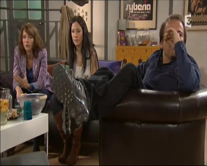 Episode du Lundi 02 Mai 2011 - Page 2 20111458
