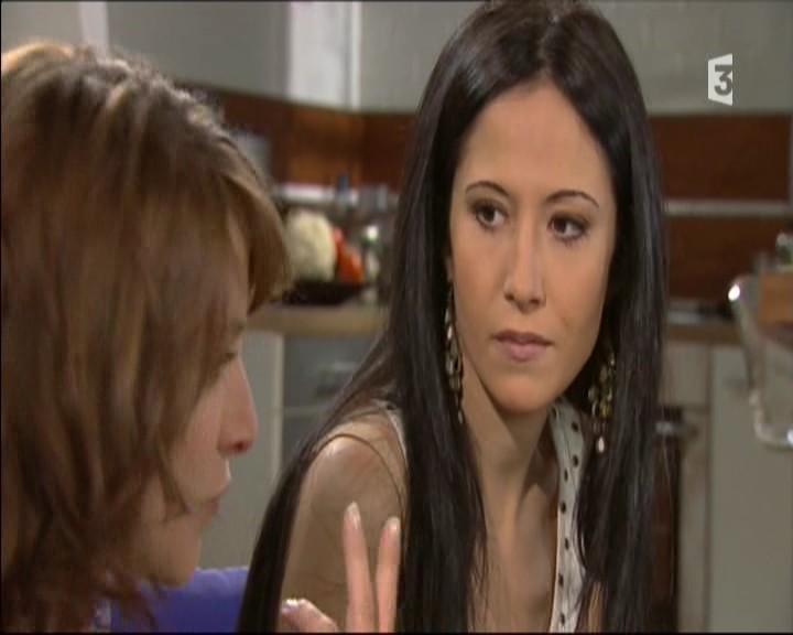 Episode du Lundi 02 Mai 2011 - Page 2 20111459