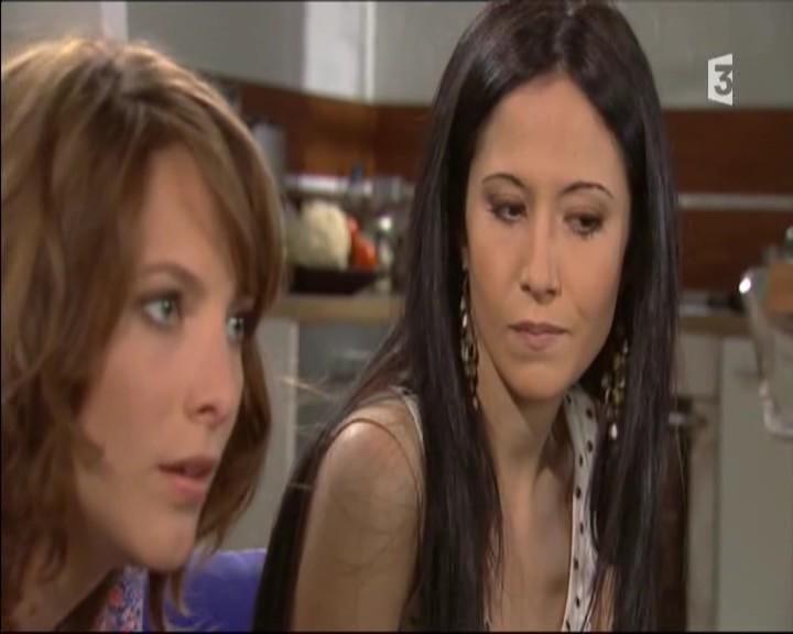 Episode du Lundi 02 Mai 2011 - Page 2 20111460