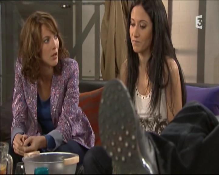 Episode du Lundi 02 Mai 2011 - Page 2 20111464