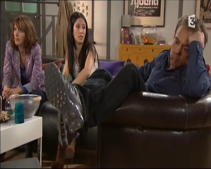 Episode du Lundi 02 Mai 2011 - Page 3 20111476