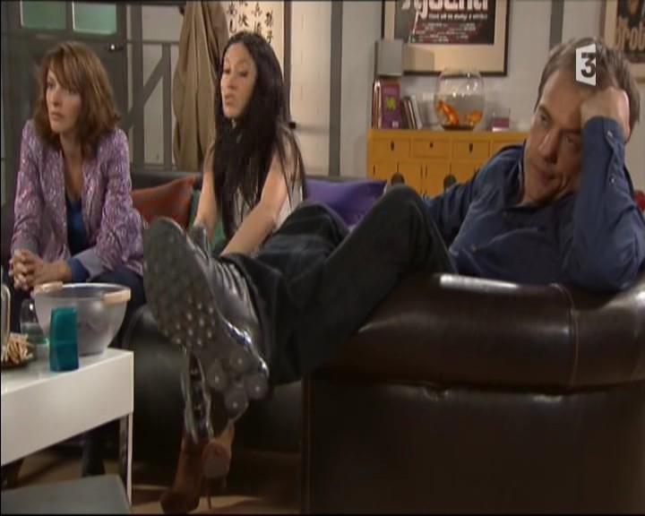 Episode du Lundi 02 Mai 2011 - Page 3 20111477