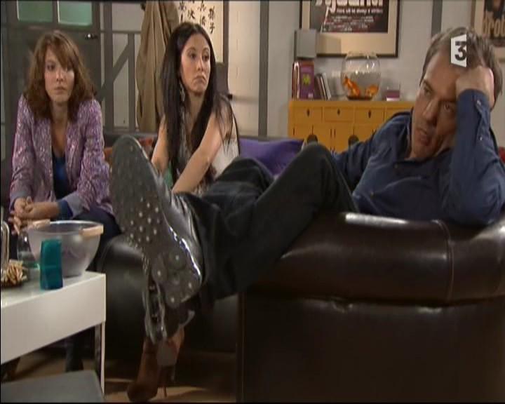 Episode du Lundi 02 Mai 2011 - Page 3 20111478