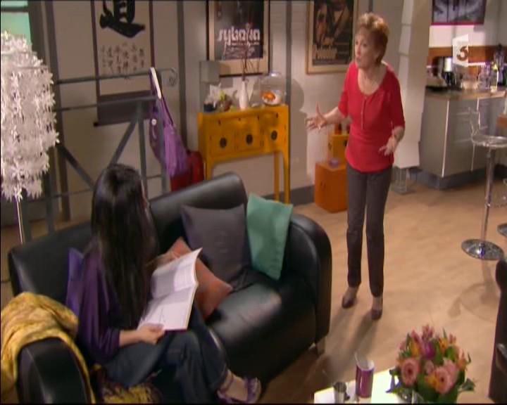 Episode du Lundi 16 Mai 2011 - Page 2 20113414