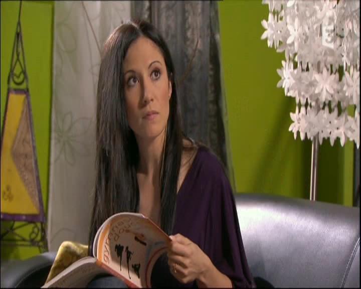 Episode du Lundi 16 Mai 2011 - Page 2 20113418
