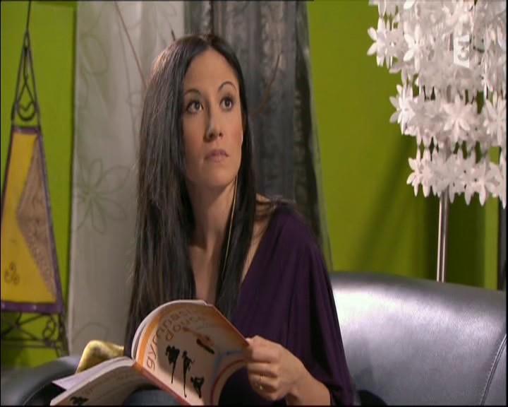 Episode du Lundi 16 Mai 2011 - Page 2 20113423