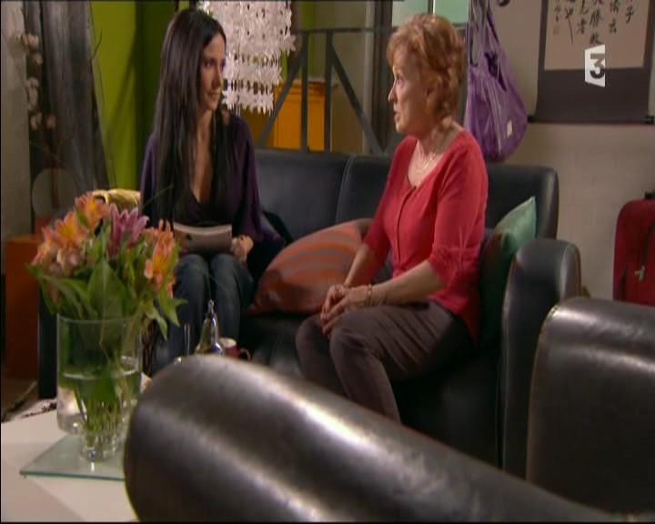 Episode du Lundi 16 Mai 2011 - Page 2 20113434