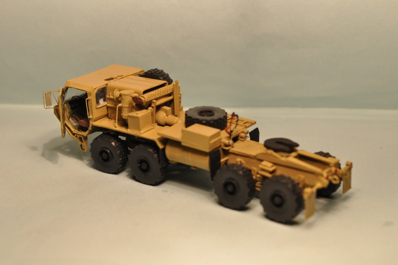 M-983 Oshkosh tractor  1/72 Planet Models Dsc_1419