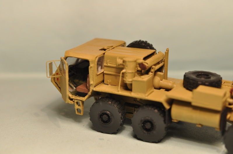 M-983 Oshkosh tractor  1/72 Planet Models Dsc_1423