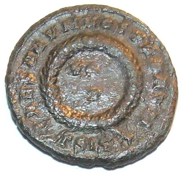 Les erreurs des monétaires sur les monnaies romaines - Page 2 Dscf0910