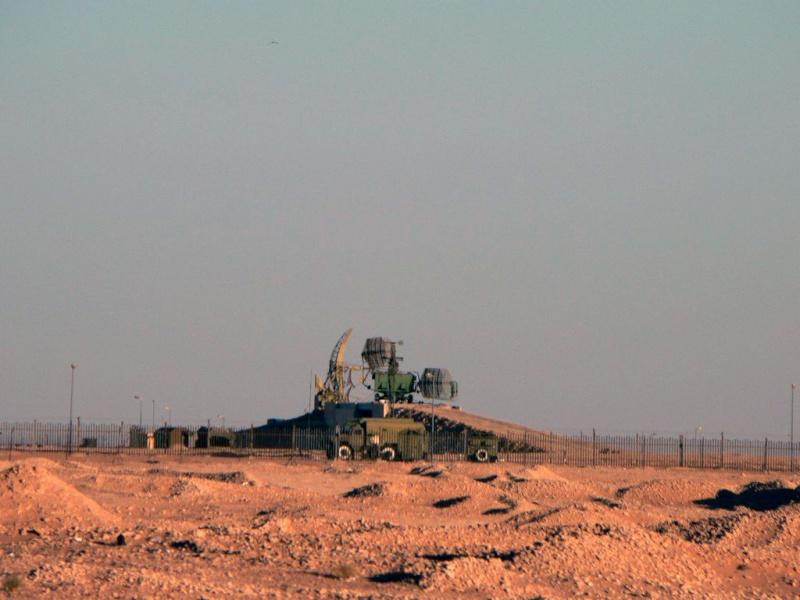 تحديث الاستراتيجية الدفاعية الجزائرية  - صفحة 7 Bar_lo10