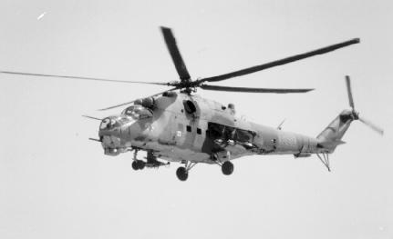 المروحية MI-24 MK3 Super hind الجزائرية Dz05_011
