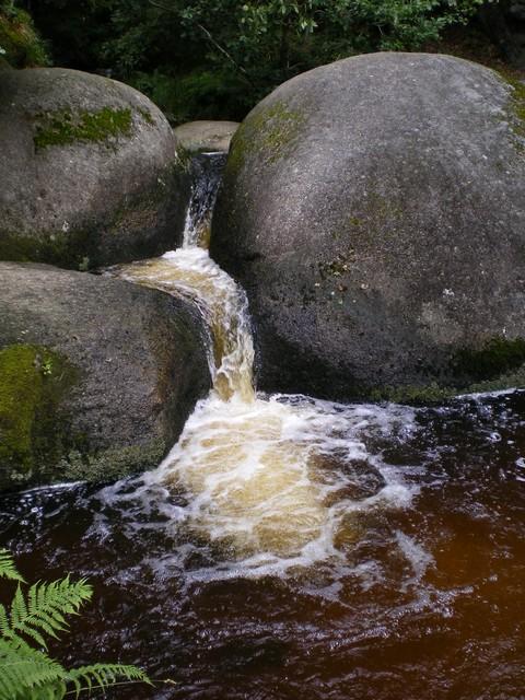 forêt de Huelgoat en Bretagne Rocher10