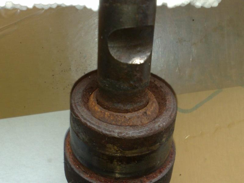 vibrations sur S2, fuites d'huile et accessoirement explosion de boite....! - Page 2 Rotule12