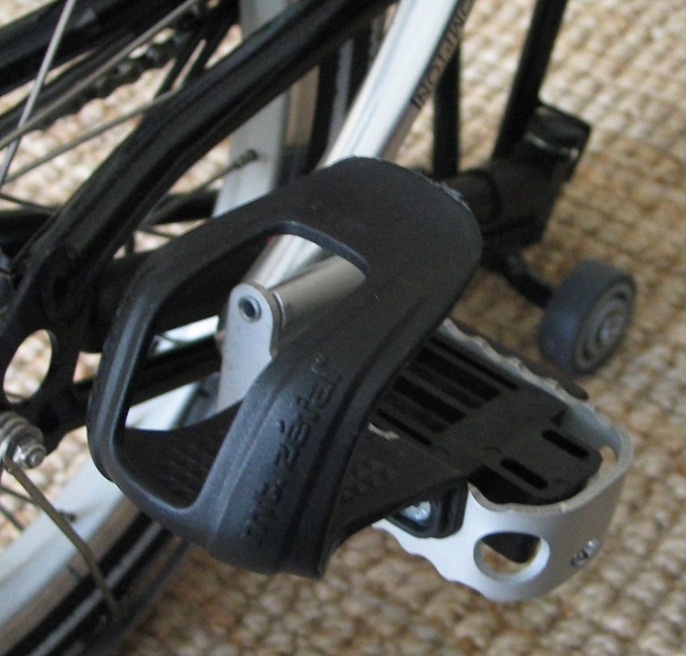 Cale-pieds, demi cale-pieds et Powergrips : améliorer son pédalage!!! Pedale10