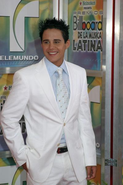 Alejandro Chaban (Prisionera) 44315110
