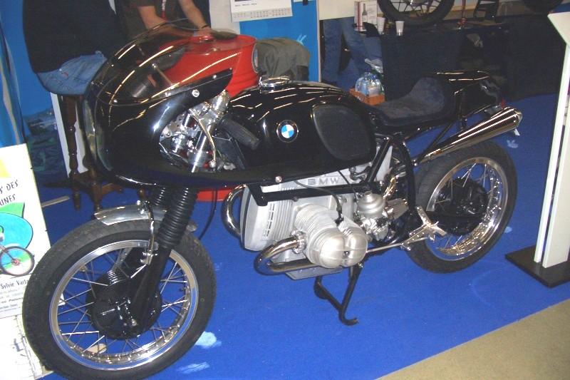 ben c'est la moto d'un autre !!!!!!!!! Cimg1110