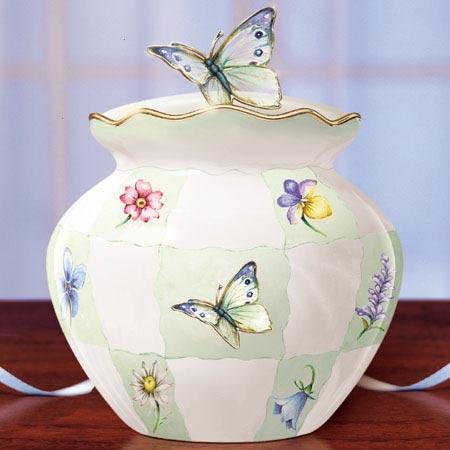 عالم الفراشات 07072610