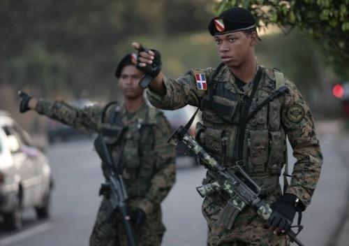 Camouflages du monde entier - Page 3 Troops10