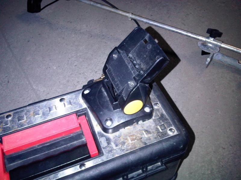 Fabrication d'une caisse pour support Echosondeur 410