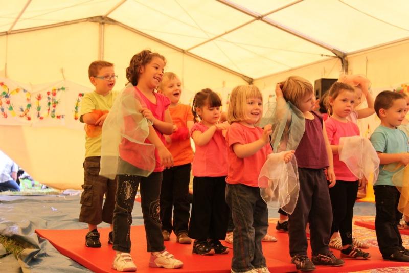 cirque - Le Cirque Du Vignoble à Wangen le samedi 25 juin 2011 à 10h30 02010