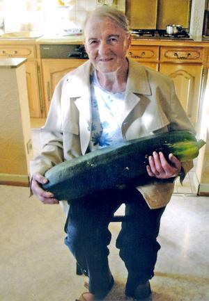 Yvonne Kratz (1921-2014) 20100910