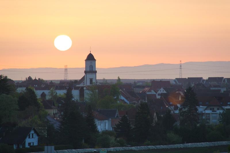 Lever de soleil d'avril sur Marlenheim depuis les hauteurs de Wangen Img_2732