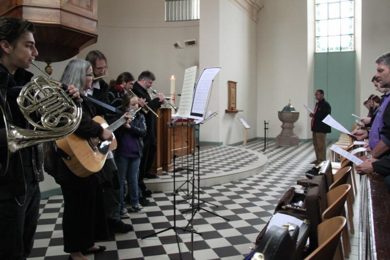 Fêtons Pâques Ensemble,Paroisses catholique et protestante de Wangen,dimanche 24 avril 2011 à 7h. Img_3147