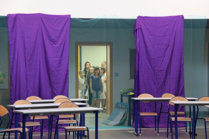 L'atelier théâtre du collège Gréoire de Tours de Marlenheim vous présente Oedipe  schlac schlac le jeudi 23 juin 2011à 20h30 Img_4914