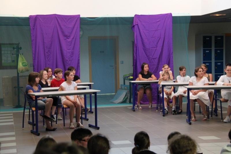 L'atelier théâtre du collège Gréoire de Tours de Marlenheim vous présente Oedipe  schlac schlac le jeudi 23 juin 2011à 20h30 Img_4917