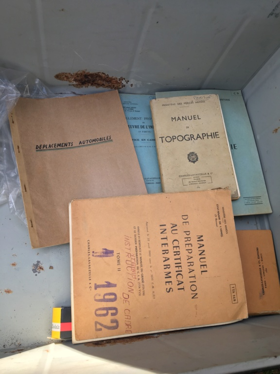 Une cantine retrouvée en dechetterie  00b3cf10