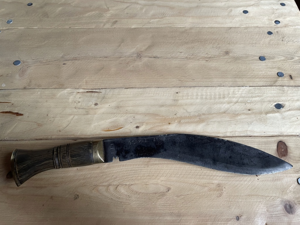 Couteau gorkha  2ef37b10