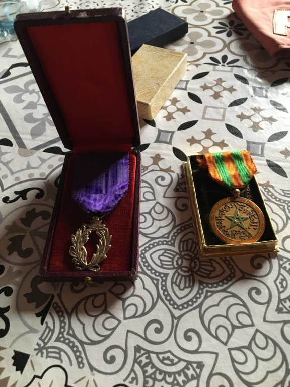 Trouvaille du jour dont une médaille pas courante ... C9f29d10