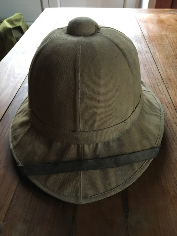 Casque colonial  E41d8810